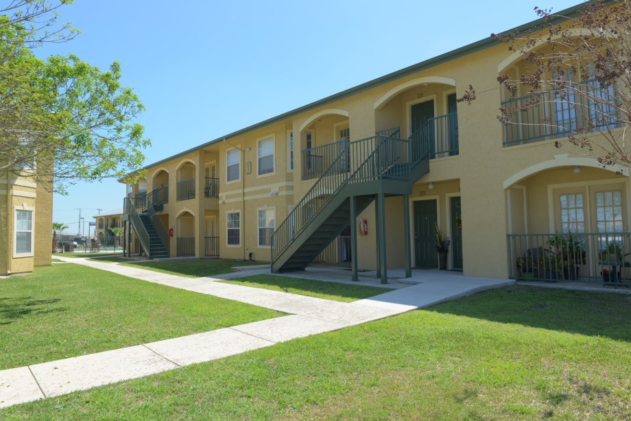 Northwood luxury apartments new braunfels tx photos - 2 bedroom suites in new braunfels tx ...